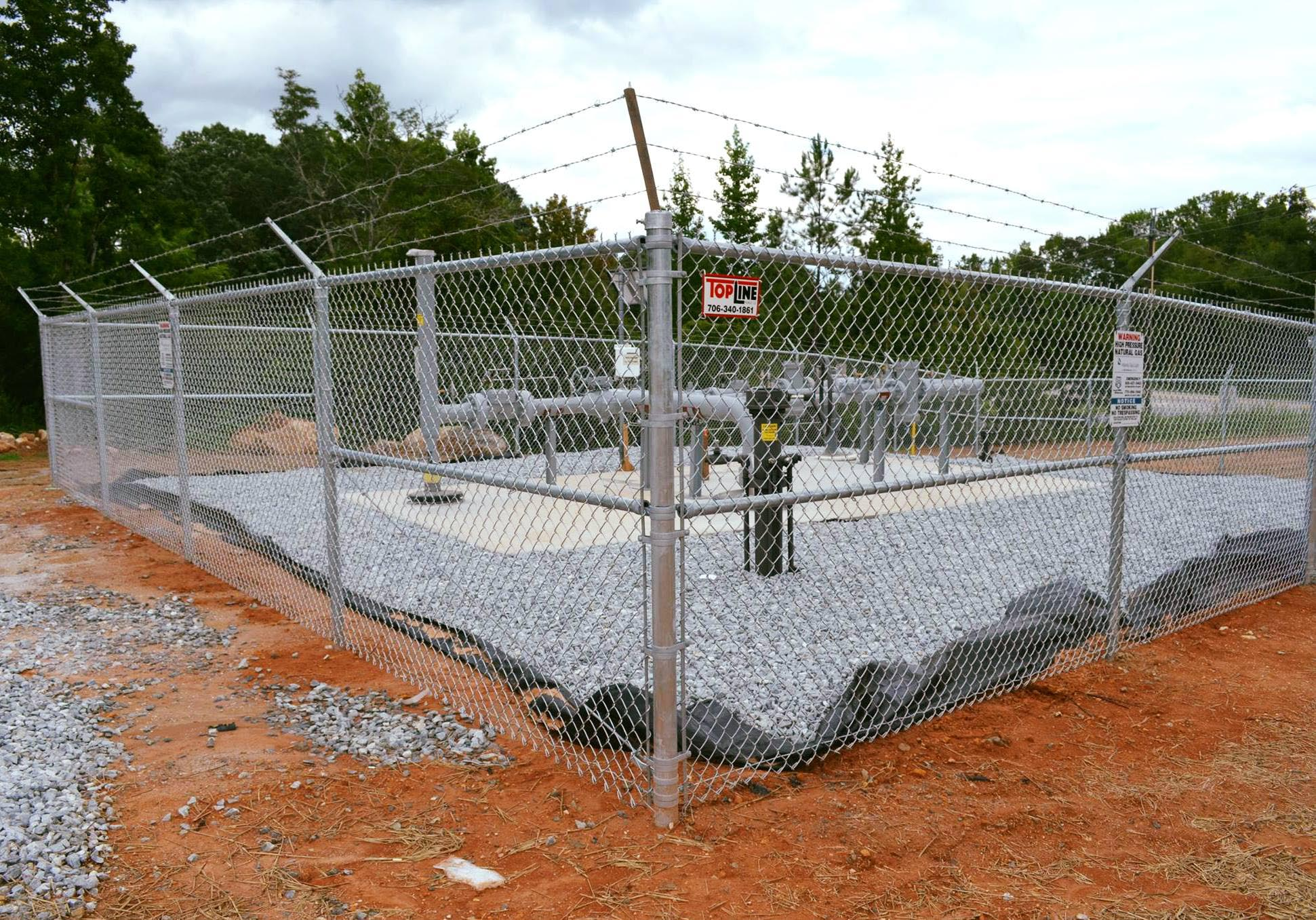 commercial fencing company