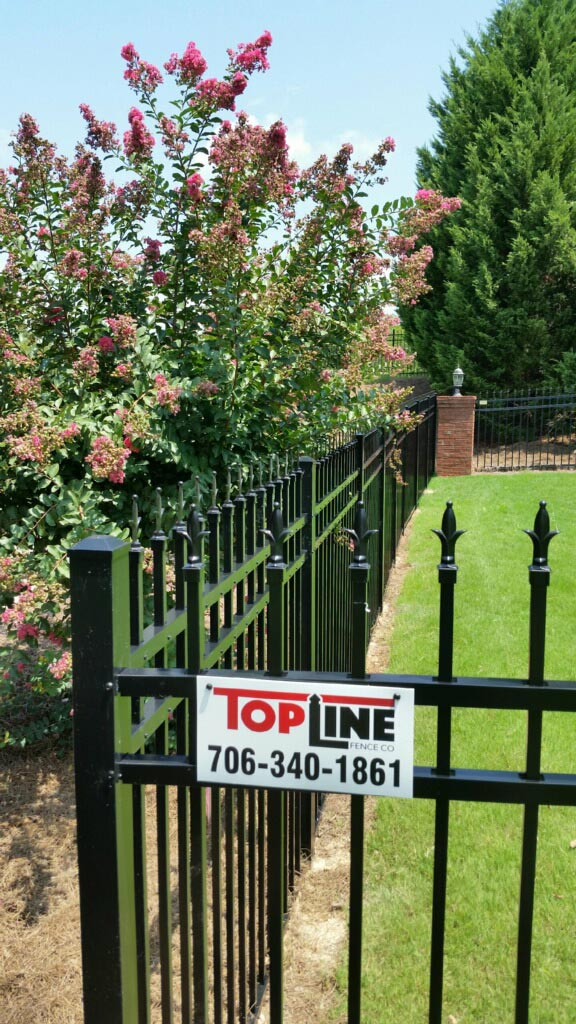 Top line aluminum fence